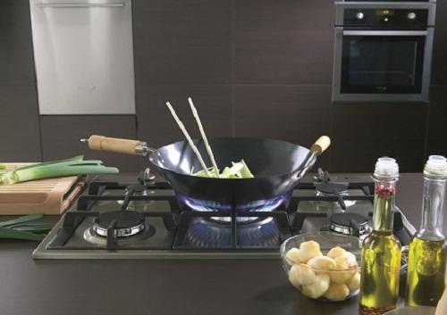 Bếp từ và bếp ga