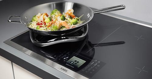 Bếp điện từ nhập khẩu Châu Âu với kiểu dáng sang trọng, hiện đại