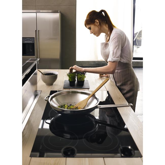 Nấu ăn với bếp từ