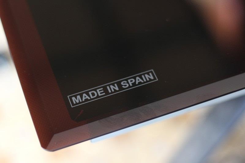 Mặt kính Schott Ceran made in Spain của bếp điện từ Dmestik