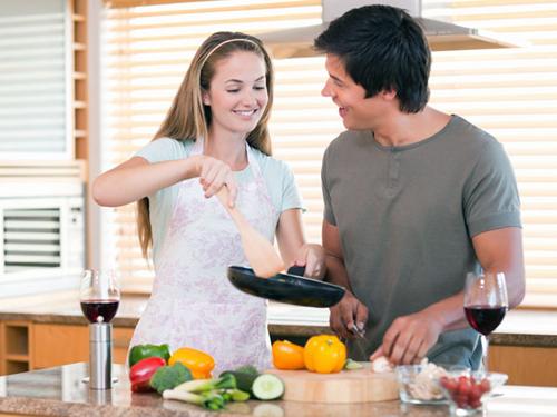 Bếp điện từ tạo hứng thú vào bếp cho các quý ông
