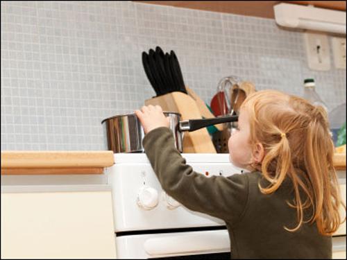Bếp từ Napoli NA – 08K3 có chức năng khóa trẻ em an toàn