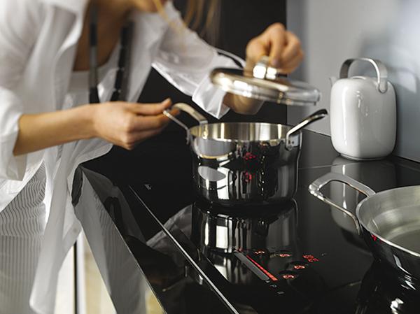 Bếp từ Amica PI7511SF