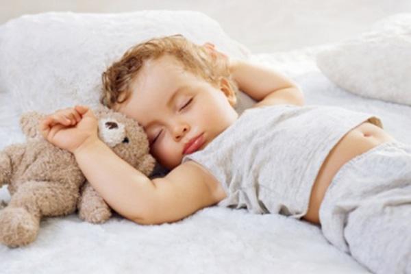 Bé ngủ ngon nhờ máy hút mùi DG3 – 90 Glass