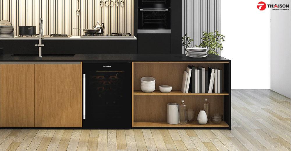Tủ rượu Rosieres RWC154DE màu sắc hiện đại cùng nội thất màu đen.