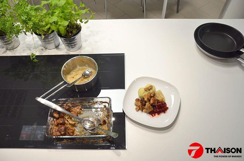 Bếp từ Bosch đa điểm
