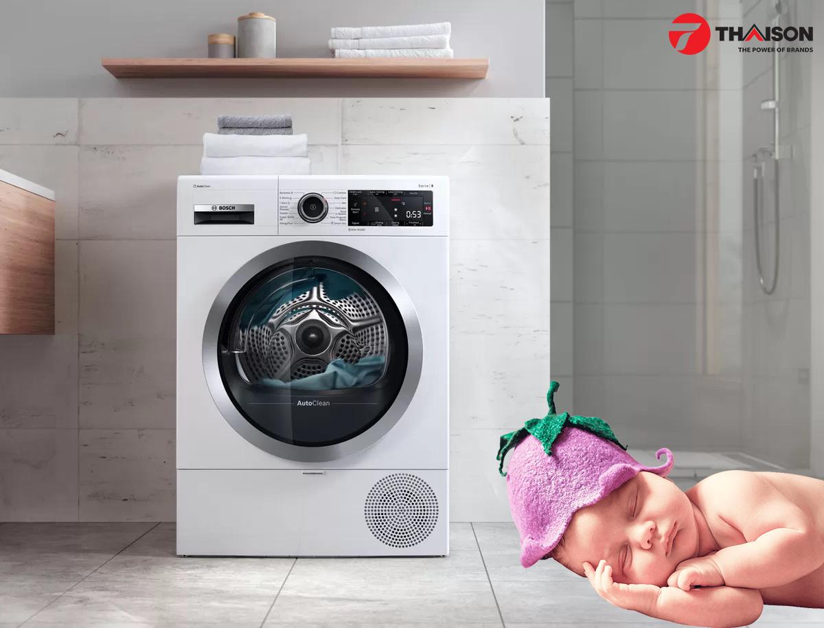 Trẻ nhỏ ngủ ngon ngay cả khi máy đang hoạt động.