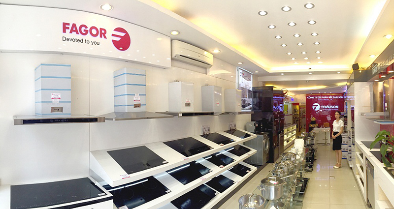 Showroom Bếp Thái Sơn hiện tại với hàng nghìn sản phẩm thiết bị bếp cao cấp