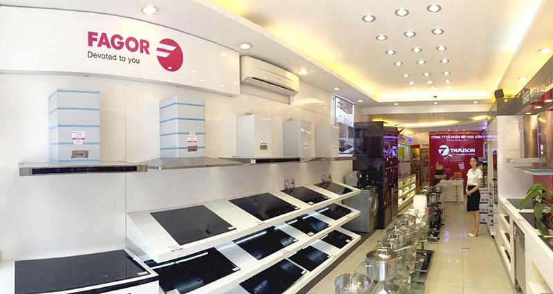 Showroom Bếp Thái Sơn với hàng nghìn sản phẩm thiết bị bếp cao cấp