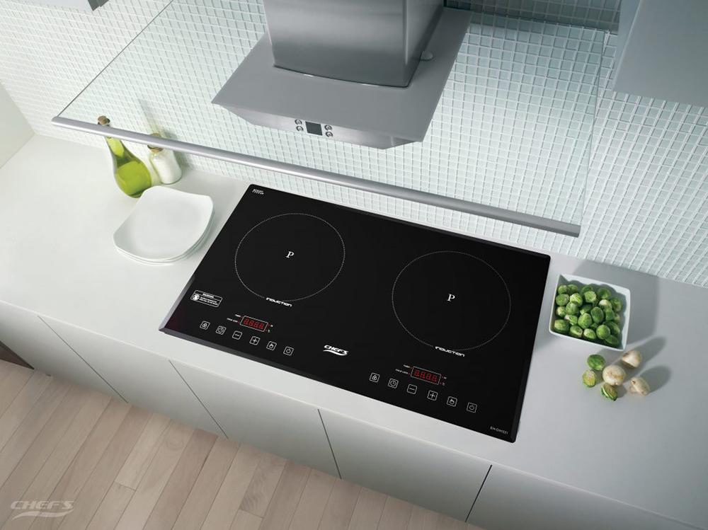 Bếp từ Chefs EH-DIH321 trong không gian bếp.