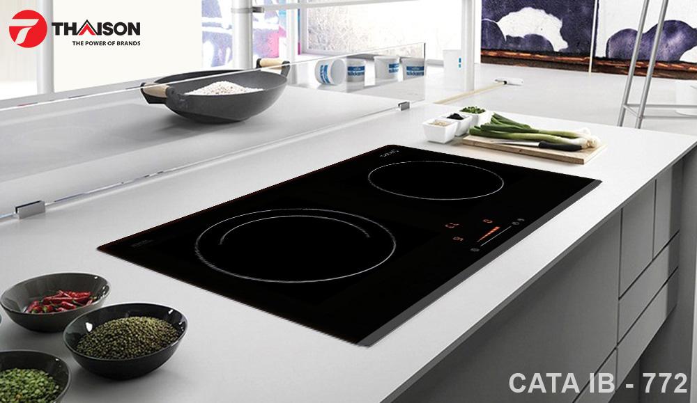 Bếp từ Cata IB – 772 trong không gian nhà bếp hiện đại.