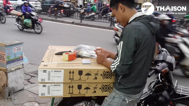 Kỹ thuật viên của Bếp Thái Sơn nhắn tin báo khách trước khi mang bếp đến lắp đặt
