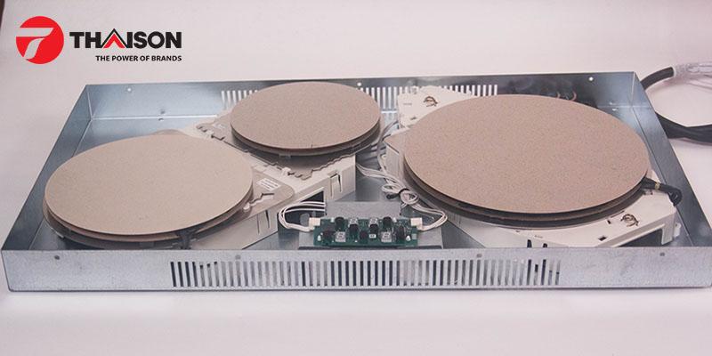 Bếp được trang bị những linh kiện chất lượng và bền bỉ như mâm từ E.G.O