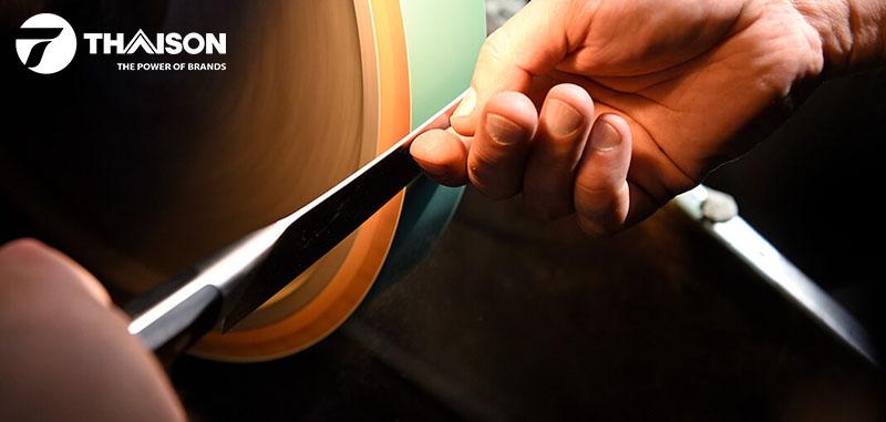 Chất liệu thép quyết định giá thành con dao