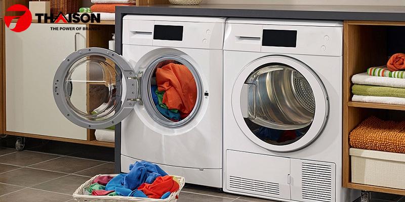 Có nên mua máy sấy quần áo không
