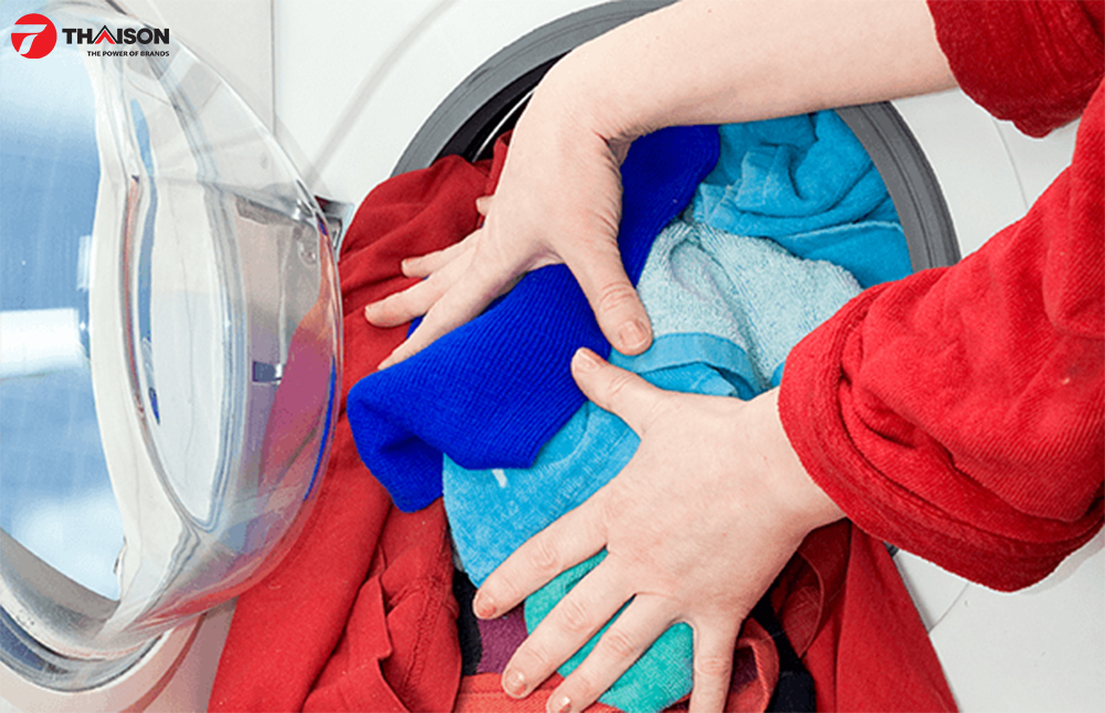 Sấy hỗn hợp quần áo vơi máy Bosch WTH85200GB.