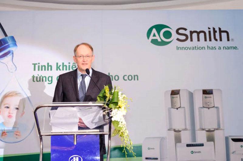 TS. Wilfridus M. Brouwer - Phó chủ tịch Tập đoàn A.O.Smith phát biểu ra mắt sản phẩm