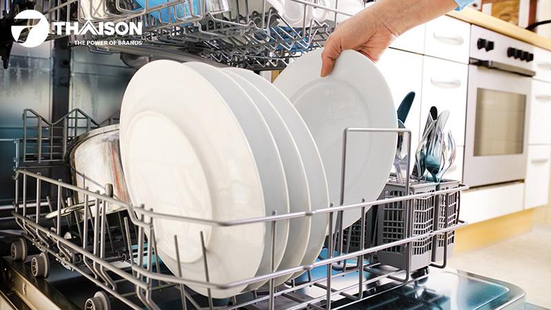 8 mẹo tăng hiệu quả và tiết kiệm cho máy rửa bát