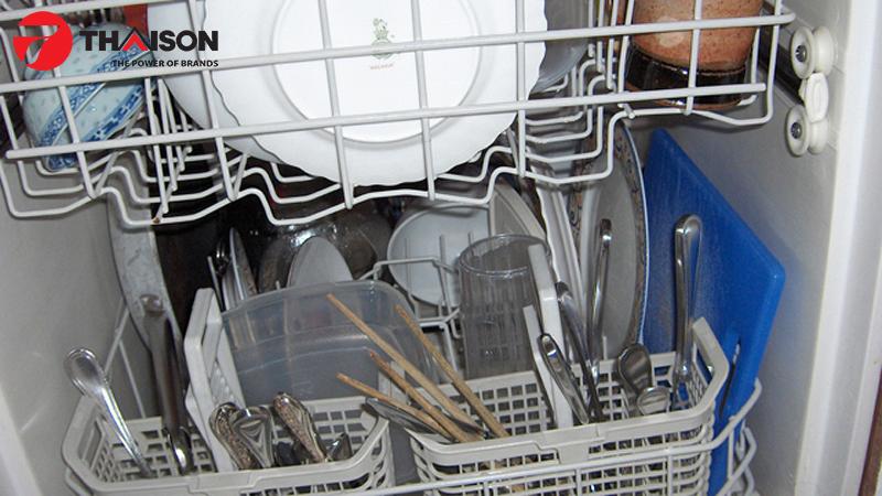 Máy rửa bát đời cũ dùng quá lâu nên mua máy rửa bát mới dùng hiệu quả tiết kiệm hơn