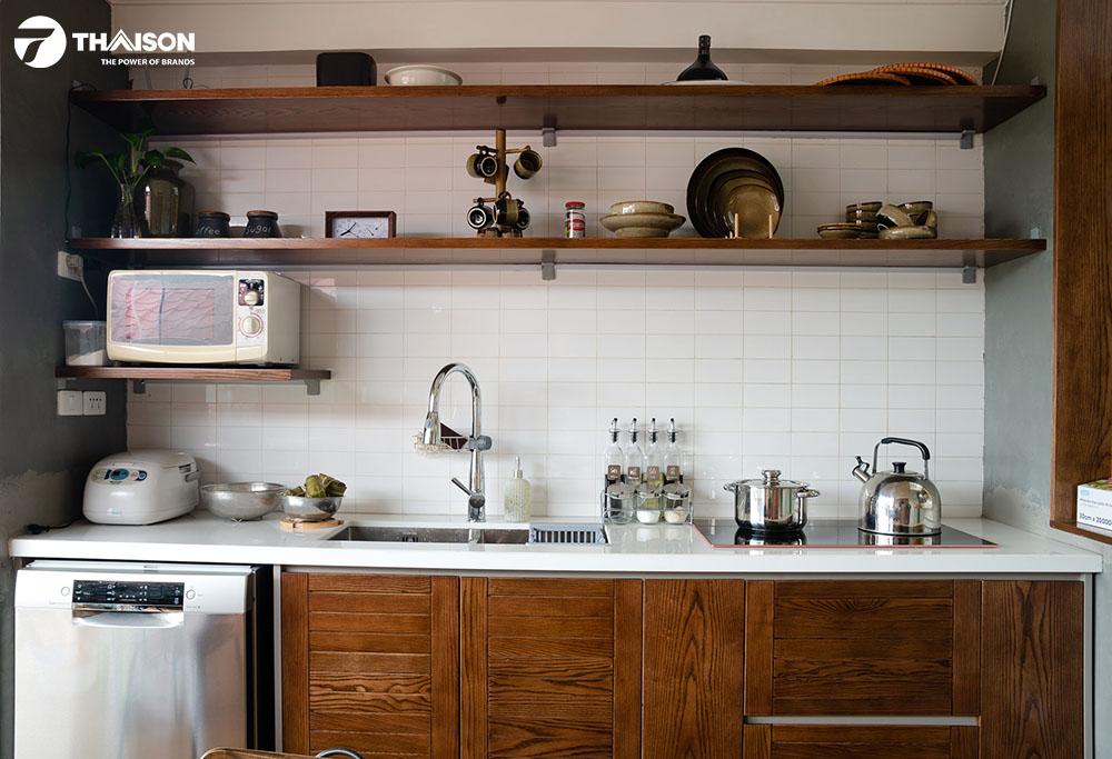 Máy rửa bát Bosch độc lập trong không gian nhà bếp.