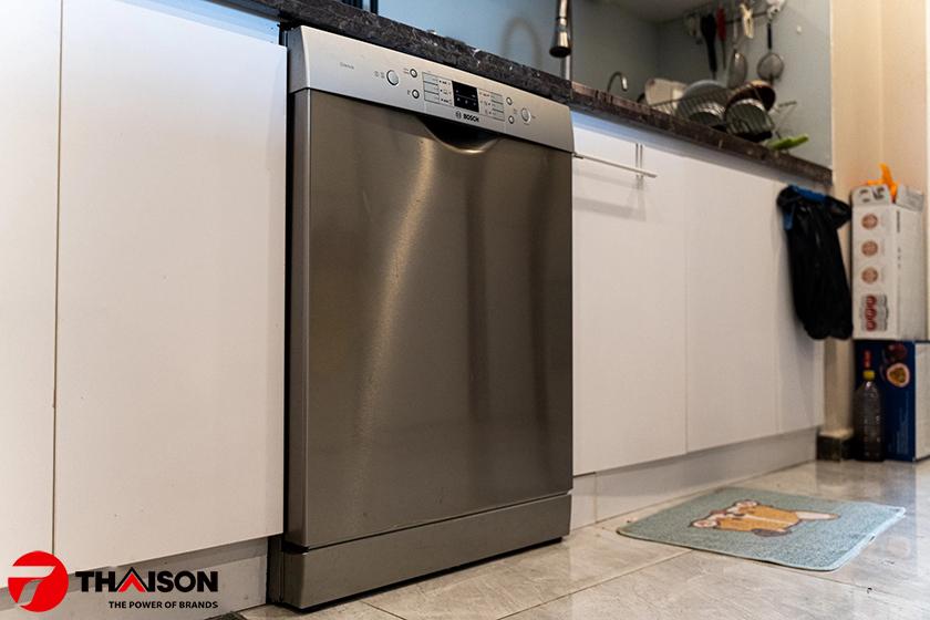 Giá máy rửa bát Bosch SMS63L08EA