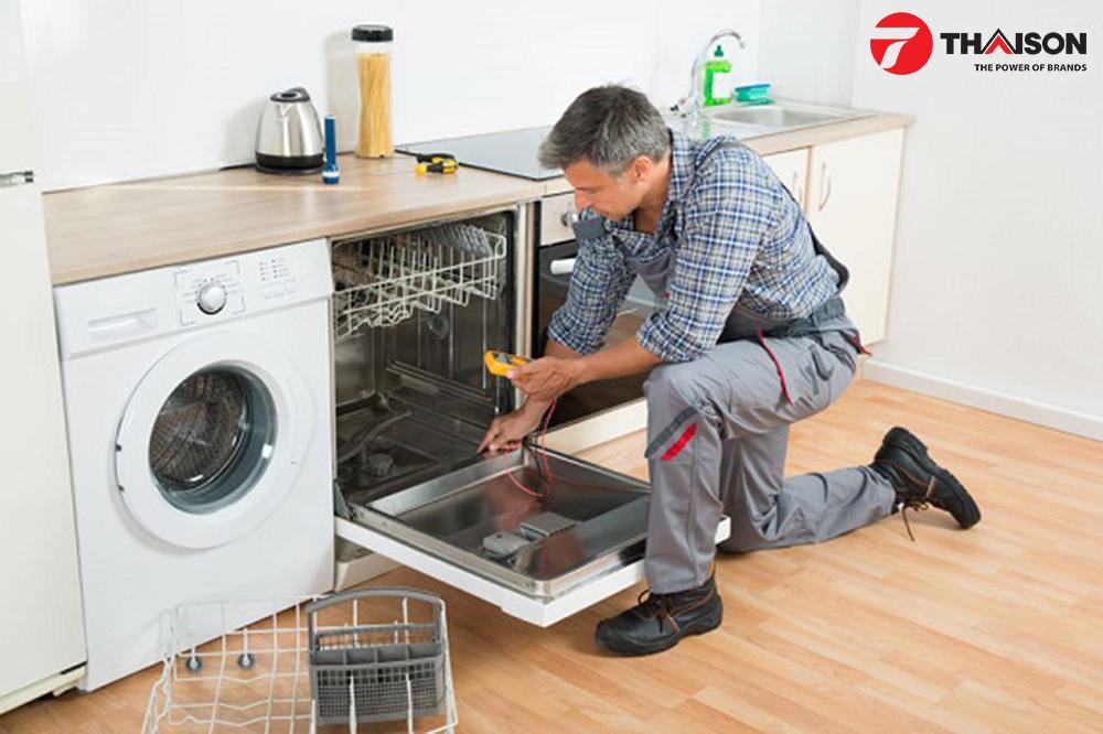 Bảo trì máy rửa bát cho gia đình