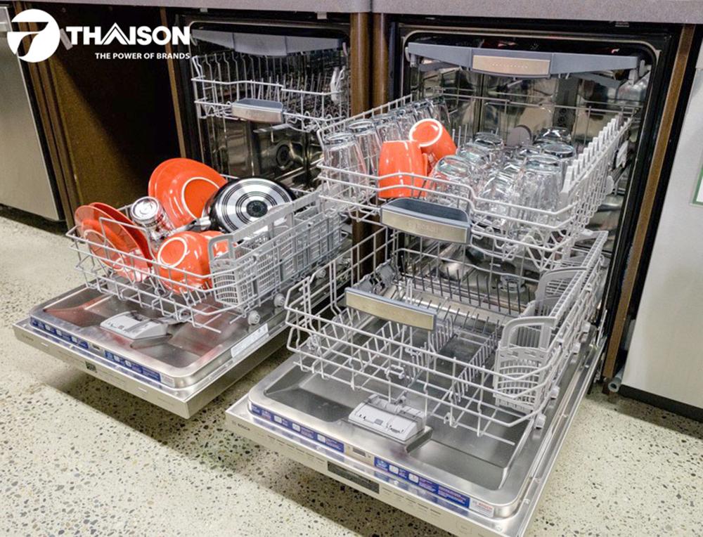 Máy rửa bát tại cửa hàng