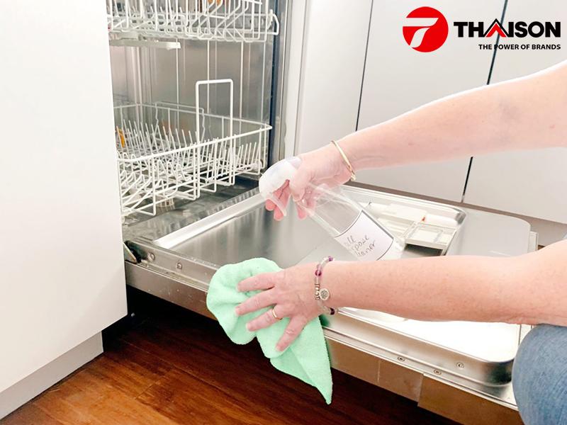 Hướng dẫn vệ sinh máy rửa bát