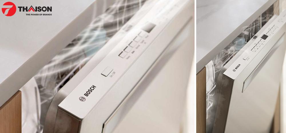 Mở cửa giúp hơi nước trong máy rửa bát thoát ra bên ngoài.