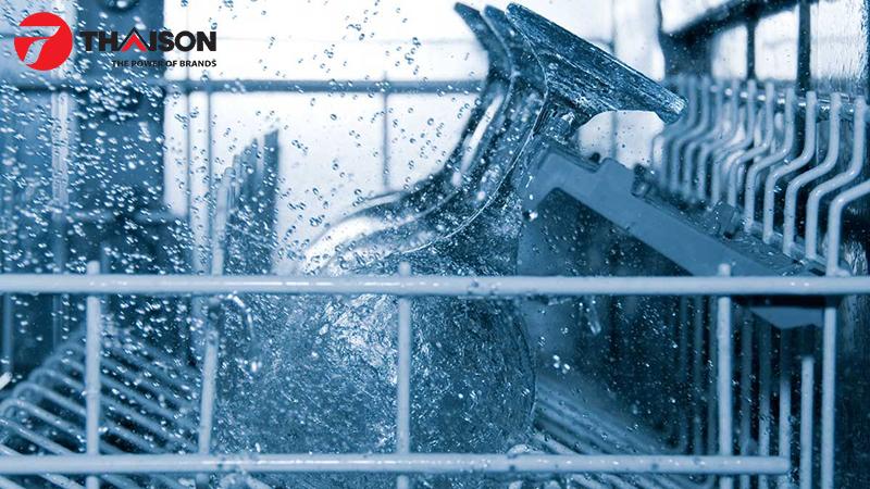 Người dùng nhận xét máy rửa bát tiết kiệm nước, tiền, công sức và thời gian
